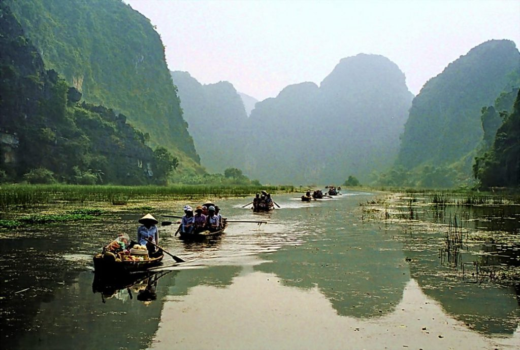 Boats-Vietnam-1080x729